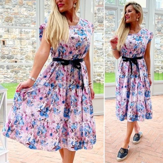 Romantické šaty s květy a páskem